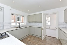 Kitchen Fitters -Refurbishment Chelsea SW3